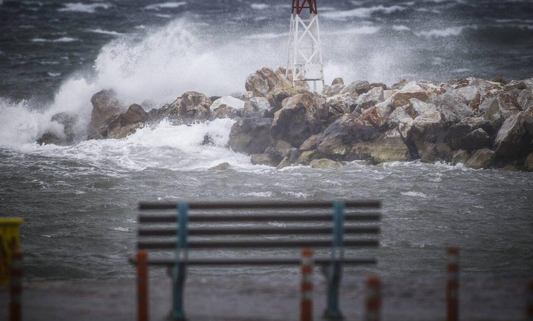 Read more about the article Φεύγει σιγά σιγά η «Ωκεανίς»: Πώς θα εξελιχθεί η κακοκαιρία