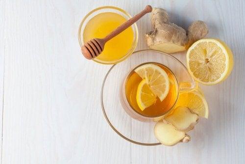 Τζίντζερ, μέλι και λεμόνι κατά του βήχα.fiftififti.eu