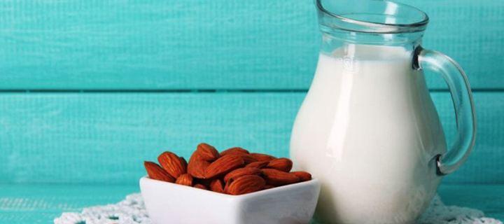 Τι είναι το γάλα αμυγδάλου;