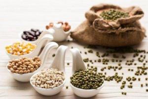 Read more about the article Τροφές που μειώνουν το τοπικό λίπος στους γλουτούς και τους γοφούς