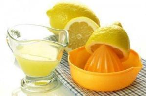 Χυμός λεμονιού:Σπιτική θεραπεία για την πλάκα στα δόντια σας