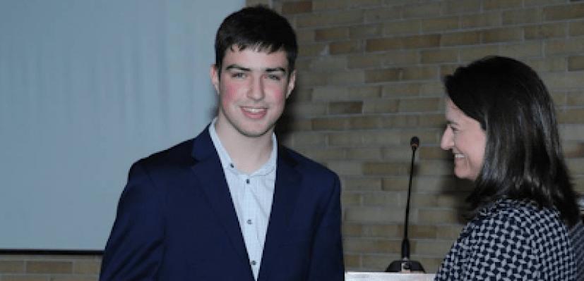 Τρίκαλα: Ο μαθητής – θαύμα που σαρώνει τα βραβεία μαθηματικών παγκοσμίως!