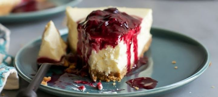 Read more about the article Cheesecake με ανθότυρο και φρούτα