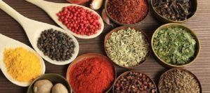 Πικάντικες τροφές: 4 λόγοι για να τις εντάξεις στη διατροφή σου