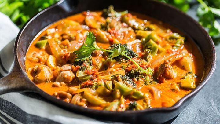 Κοτόπουλο με κάρυ και λαχανικά - Ένα υγιεινό και ελαφρύ πιάτο