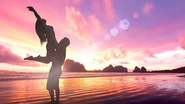 Read more about the article Καλοκαιρινές σχέσεις: Σχέσεις ζωής ή περιπέτειες με ημερομηνία λήξης;