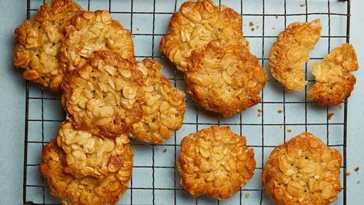 Μπισκότα με μέλι και αμύγδαλα για να συνοδεύσετε τον καφέ σας