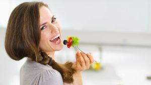 5 τροφές που κάνουν καλό στα δόντια