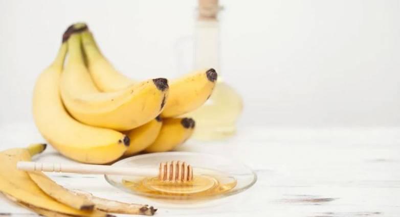 Μάσκα με μπανάνα για λαμπερή επιδερμίδα μέχρι τις γιορτές