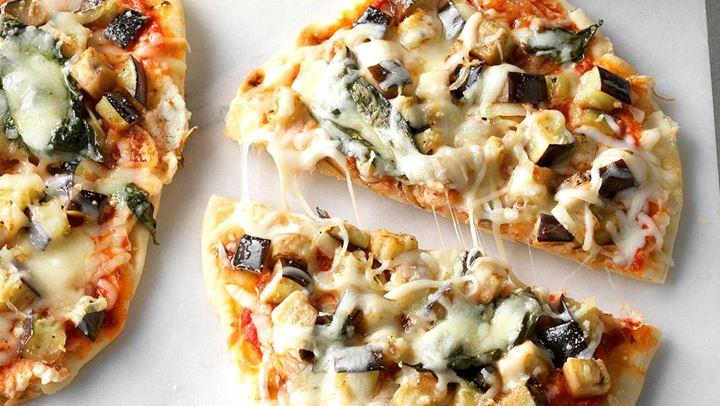 Πιτσάκια με μελιτζάνα και τυρί.fiftififti.eu