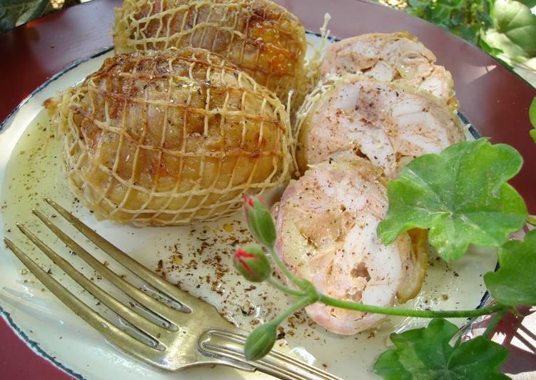 Αρωματικά ρολάκια κοτόπουλου με σάλτσα κρασιού.fiftififti.eu