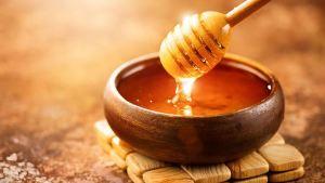 Πώς να ξεχωρίσετε ένα γνήσιο μέλι από ένα νοθευμένο