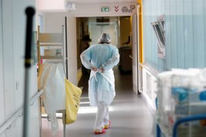 Κορονοϊός: 2917 νέα κρούσματα και ένας νεκρός κάθε 50 λεπτά στην Ελλάδα!