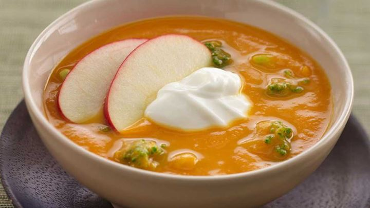 Σούπα με γλυκοπατάτα και μπρόκολο για τις κρύες μέρες