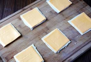 Read more about the article Το πιο απλό TIP για να διατηρείται περισσότερο το τυρί του τοστ στο ψυγείο!