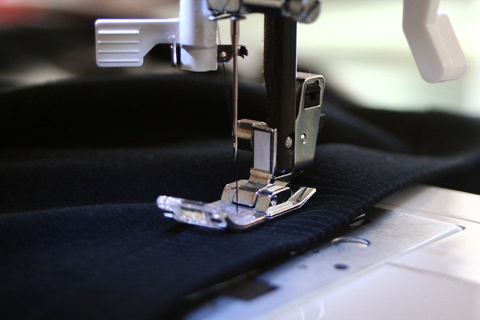 Factors to Consider Before Buying a Sewing Machine