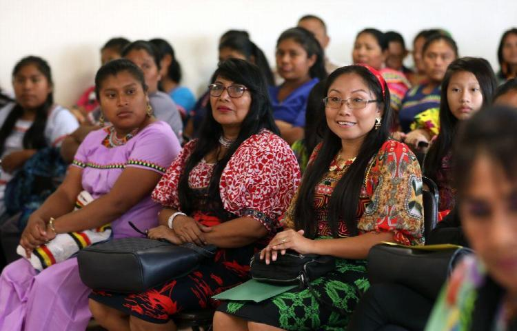 Mujeres indígenas se sienten olvidadas   FILAC   Fondo para el Desarrollo  de los Pueblos Indígenas de América Latina y El Caribe