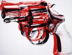 """Pistola"". 1981. Acrílico y serigrafía sobre lino. Collection of the Andy Warhol Museum, Pittsburg © 2017 The Andy Warhol Foundation for the Visual Arts, Inc. / VEGAP"