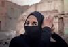 """Esta imagen de Ihsan Jezany forma parte del """"álbum de fotos"""" que incluye """"No son versos lo que escribo. Breve antología del canto popular de la mujer iraquí"""", editado por Olifante. A ese mismo álbum pertenecen el resto de las fotografías que ilustran este artículo."""
