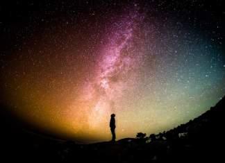 El humano es el único ser que es consciente de su vulnerabilidad y su finitud, de su cósmica intrascendencia.