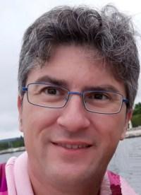 Abel Ros es el autor de Desde la crítica.