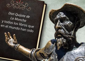 «El destino de don Quijote es creer(se) en los libros, hacerse vida en los libros y hacerlos realidad en la única realidad posible: la propia existencia. Fue esta decisión la que hizo que se enfrentara, sin miedo, a la autoridad, e incluso desafiar a las leyes, en pos de su concepción de la libertad y la justicia. Una concepción arraigada en los libros: su único credo», escribe González Serrano.