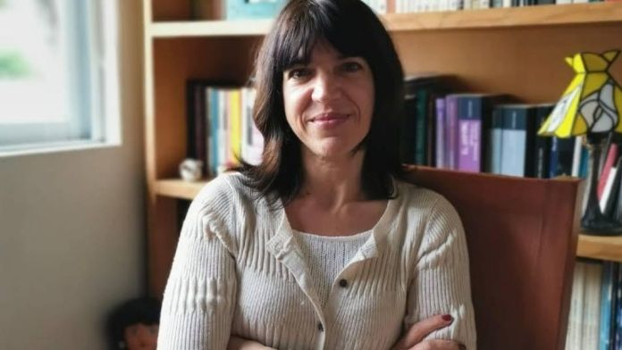 Investigadora del Instituto de Investigaciones Filosóficas, la filósofa mexicana Ángeles Eraña fue coordinadora del posgrado de Filosofía de la Universidad Nacional Autónoma de México.