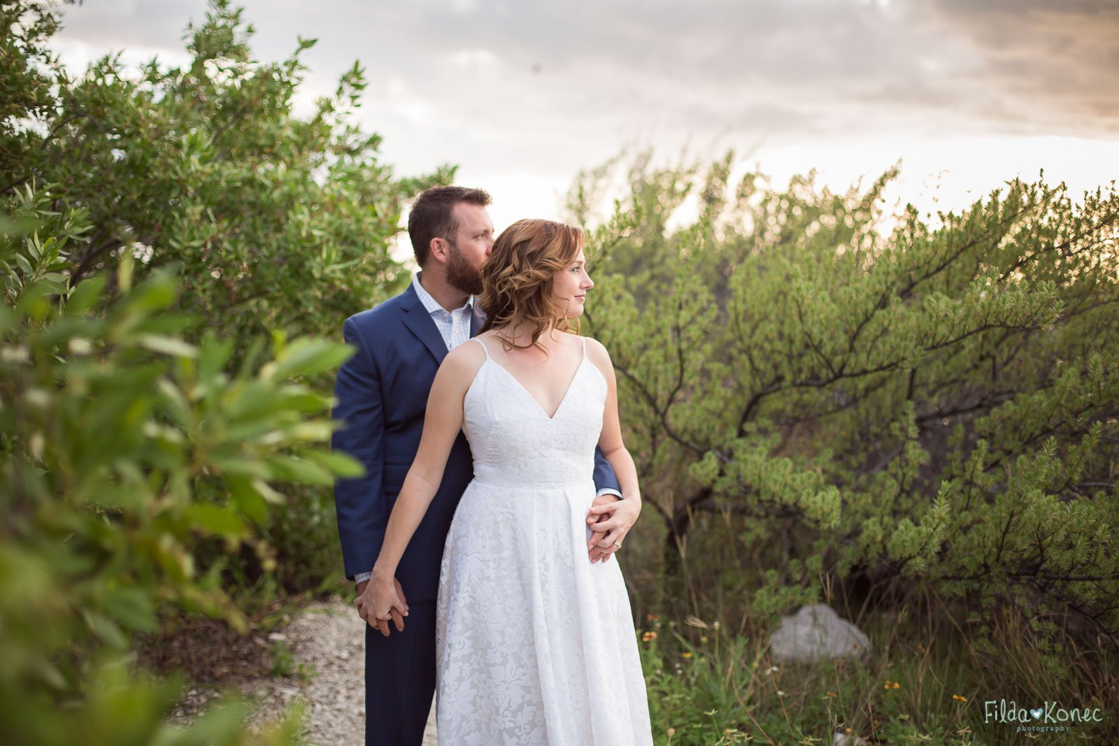 married couple in florida landscape