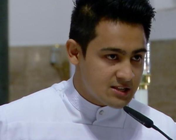 Meet Kenneth Rey Parsad, the eye-catching seminarian in Pope Francis' Manila Cathedral mass