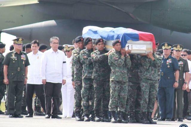 """Roxas to Aquino: """"If you don't fire Purisima, babagsak ka."""""""