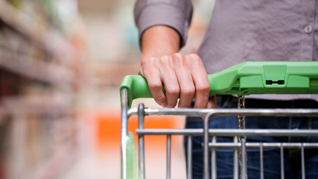 What factors affect the behavior of Filipino online shoppers?