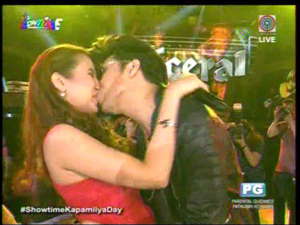 vice ganda kisses karylle showtime anniversary