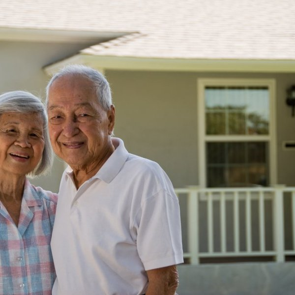 How can retired people avoid the trap of debt and bankruptcy?