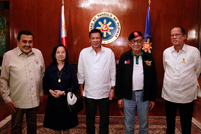 gloria arroyo with fellow former presidents