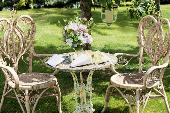 edwardian-wicker-garden-seating