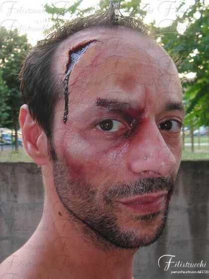 Immagine che rappresenta la simulazione di profonda ferita alla testa