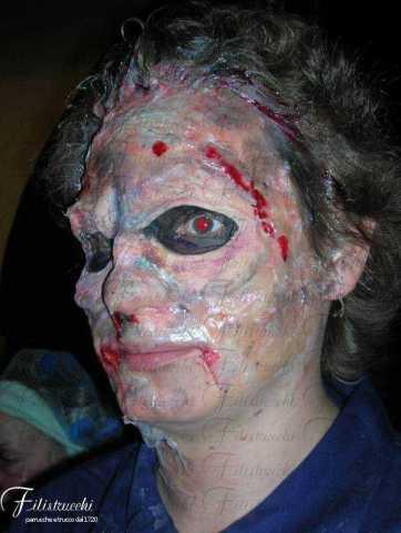 Immagine che rappresenta un volto deformato e spaventoso