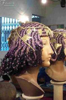 Parrucca viola in lana stile egizia con ornamenti art A06