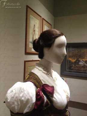 La foto rappresenta la parrucca per Cavalleria Rusticana allestito alla Fondazione Franco Zeffirelli