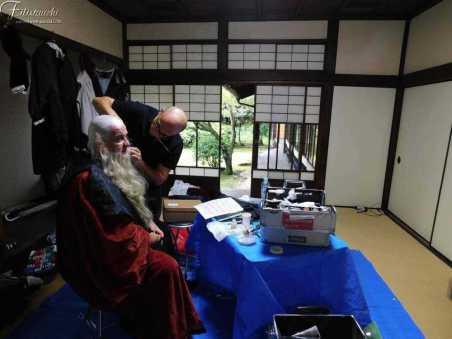 Fabio Baronti al trucco al tempio Higashi Hongannji Shouseienn Roututei Luogo della rappresentazione a Kyoto