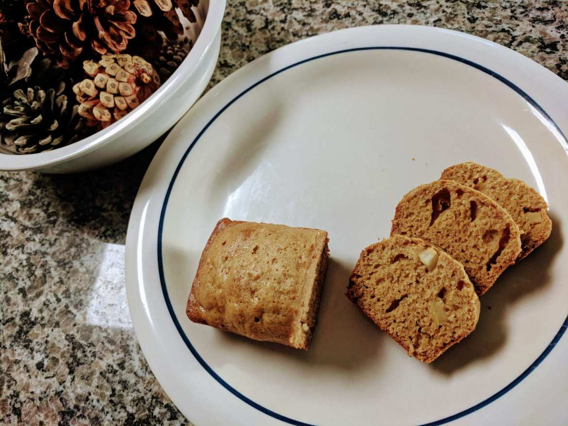 filivino apple spice bread