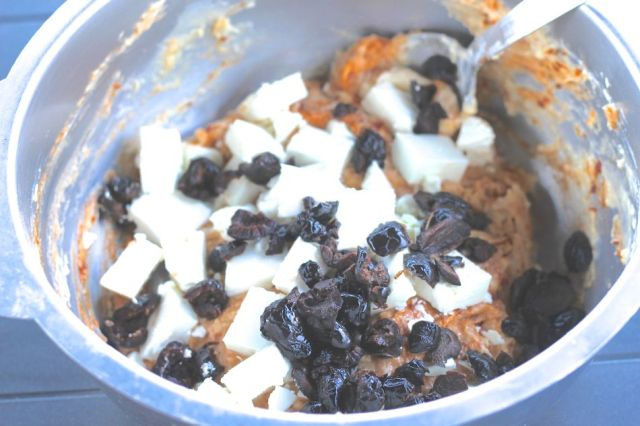 recette-cake-feta-tomates-olives-2