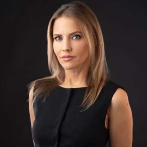 Top-10-Most-beautiful-female-news-anchors-Michelle-kosinki-in-world-2020