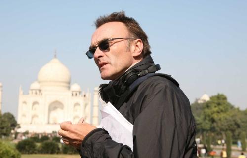 Danny Boyle directing Slumdog Millionaire