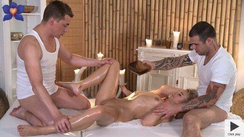Massage Rooms , filme porno 2015 , salon de masaj , muie , pizda , cur , felatie , orgasm , dubla penetrare ,