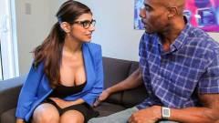 Mia Khalifa Ready For Black Dick filme porno 2015 .