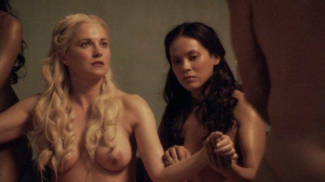Top 10 scene de sex din serialul Spartacus un porno bun . 2