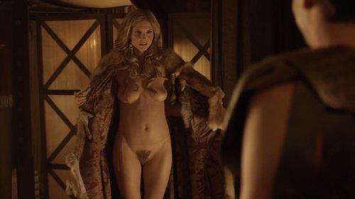 Top 10 scene de sex din serialul Spartacus un porno bun .