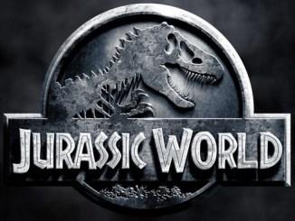 Jurassic-World-primo-poster-ufficiale-2
