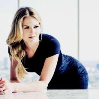 Jennifer Morrison - Table